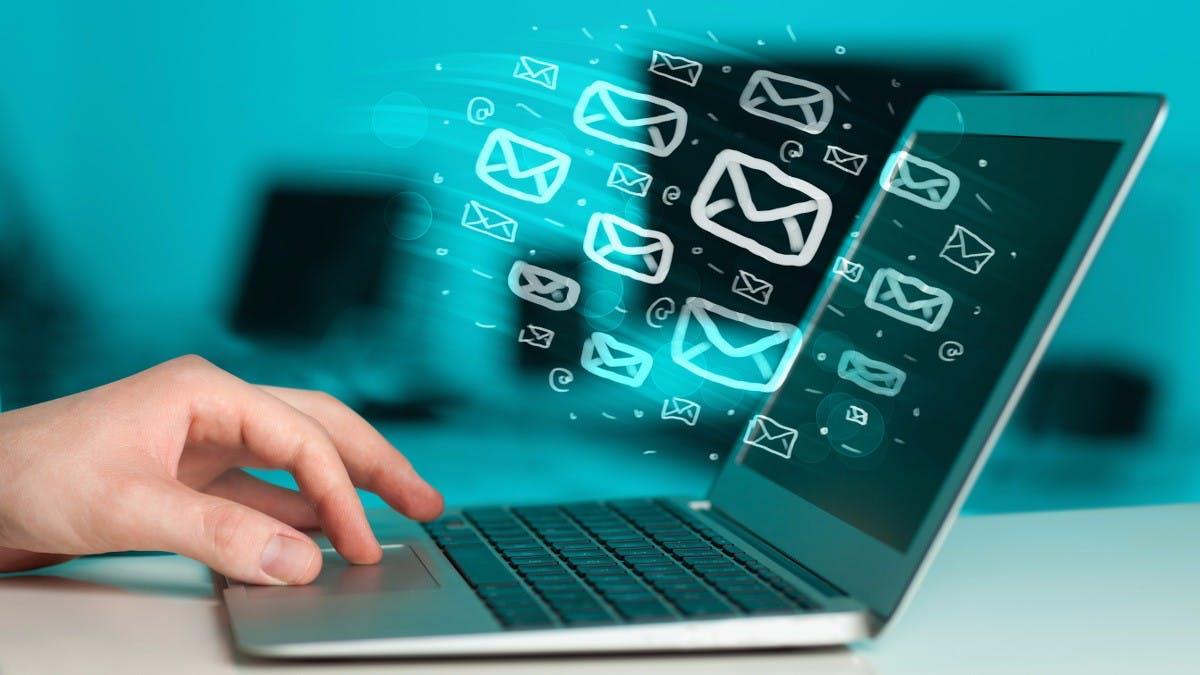 E-Mail- vs. Social-Media-Marketing: Diese Infografik zeigt dir, was besser funktioniert