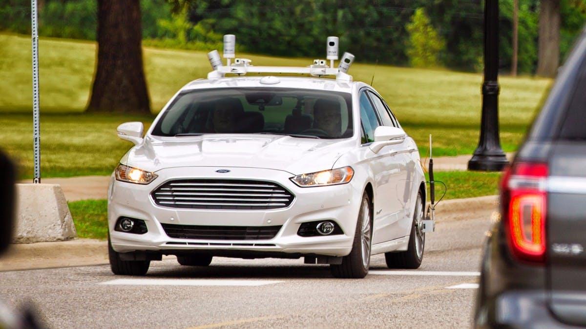 Pizza per Roboter: Ford und Domino's bringen Essen mit selbstfahrenden Autos