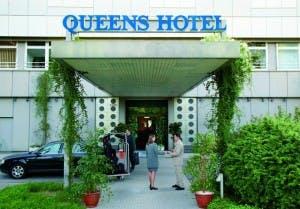 Der Eingangsbereich des Best Western Queens Hotel in Karlsruhe.
