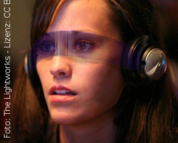 Studie für ein Augmented Reality Handy von 2006: Infos aus dem Internet jederzeit im Blickfeld.