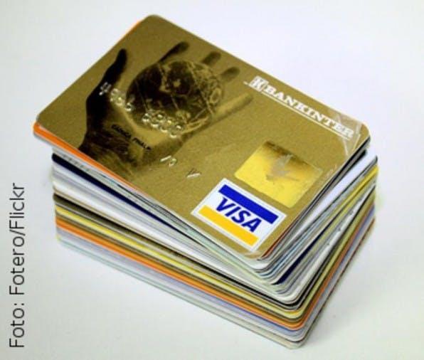 Die Deutschen misstrauen Shops, die Vorab- oder Kreditkartenzahlungen verlangen. Viel lieber zahlt man hierzulande auf Rechnung.
