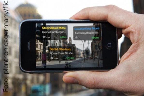 Augmented Reality nennt man das Einblenden kontextbezogener Informationen über das Kamerabild.