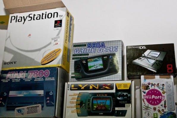 Konsolenkost kauft gebrauchte Spiele und Retro-Konsolen an, um diese dann wieder zu verkaufen.