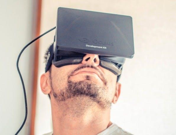 Bevorzugt die 3D-Brille Oculus Rift per Design das männliche Gehirn? Die Forscherin Danah Boyd hat diese Frage aufgeworfen. (Foto: Sergey Galyonkin, Fickr)