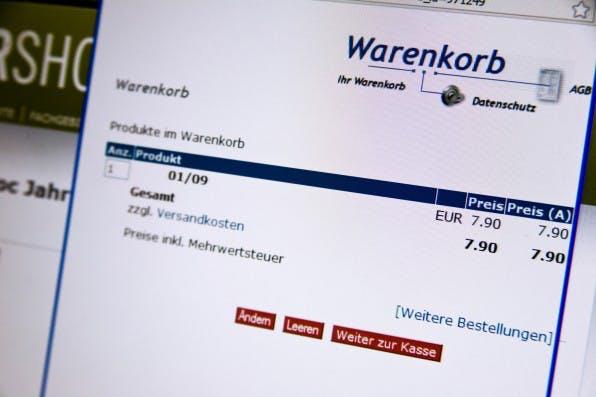 Online-Käufer bevorzugen Lastschrift und Rechnung, weil sie ihre Bestellung schnell erhalten und gleichzeitig eine gewisse Sicherheit haben. (Foto: Eva-Kahlmann / Fotolia)