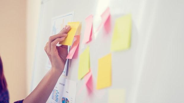 Der Wandel beginnt auf Post-Its! Wie agiles Arbeiten in Konzernen funktioniert
