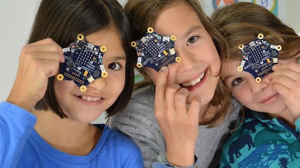 Computer raus, Klassenarbeit: Wie Calliope den Bildungssektor digitalisiert