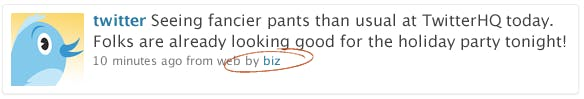 Das Feature Contributors fügt den Autorennamen in die Byline unter dem Tweet ein.