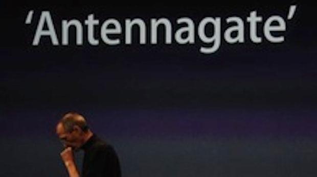 """iPhone 4 """"Antennagate"""": Apple schenkt allen iPhone-4-Kunden eine Hülle, sonst keine Zugeständnisse"""