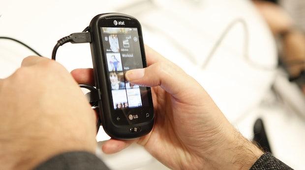Windows Phone 7 Handys in den USA Ladenhüter