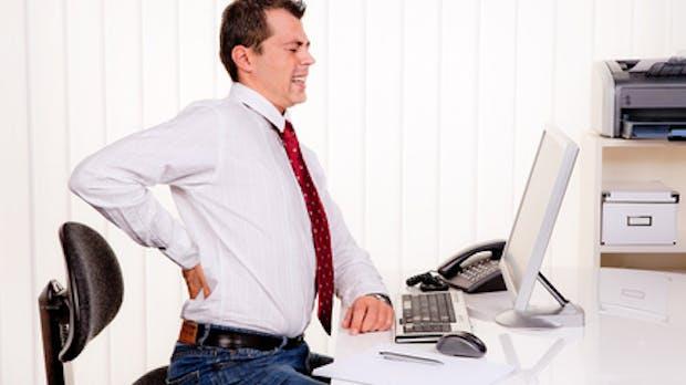 Rückenschmerzen am Computer verhindern