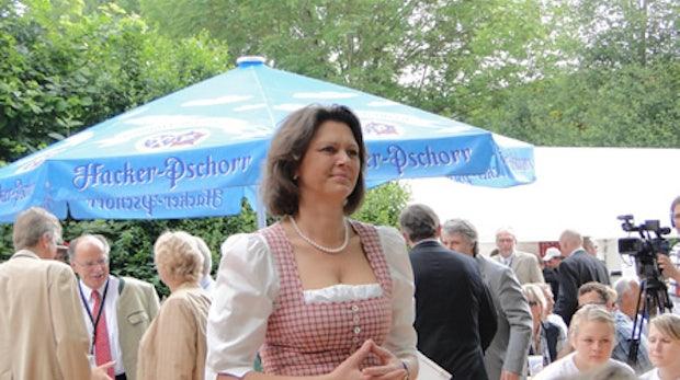 """""""Digitaler Radiergummi"""" - Ilse Aigner träumt vom Verfallsdatum für Bilder im Web"""