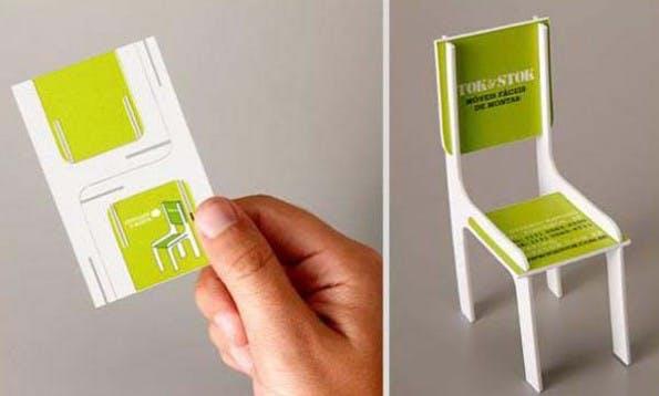 Kreative Visitenkarten, mit denen der Empfänger sogar noch etwas anstellen kann, garantieren, dass man präsent bleibt. (Bild: DDB)