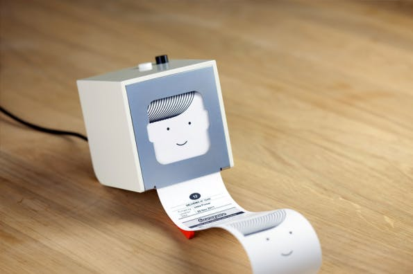 Der Minidrucker Little Printer ruft zu druckende Informationen aus dem Internet ab.