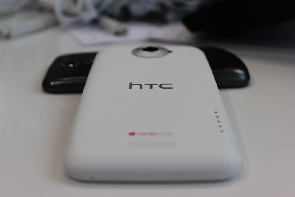 HTC-One-X-back2