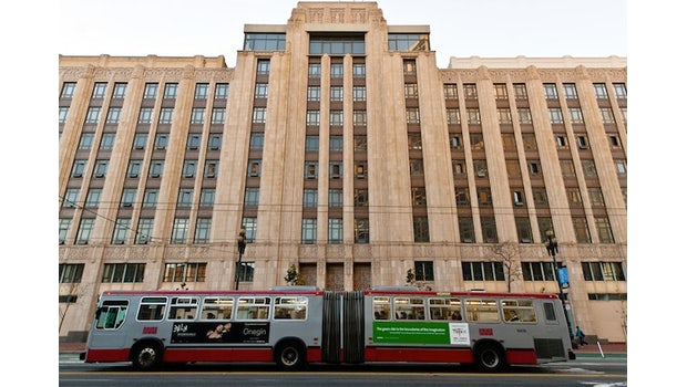 Twitter will vor Gericht Transparenz von der US-Regierung einfordern.