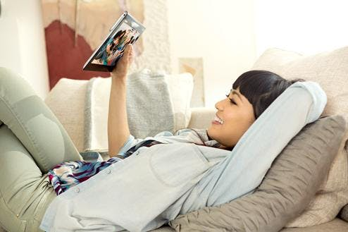 sony-xperia-tablet-s-3_XperiaTablet_asian_female