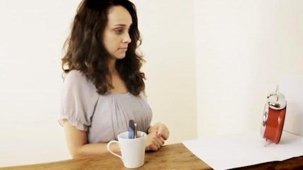 CupChair: iPhone in Kaffeetasse nimmt 360-Grad-Fotos auf [Video]