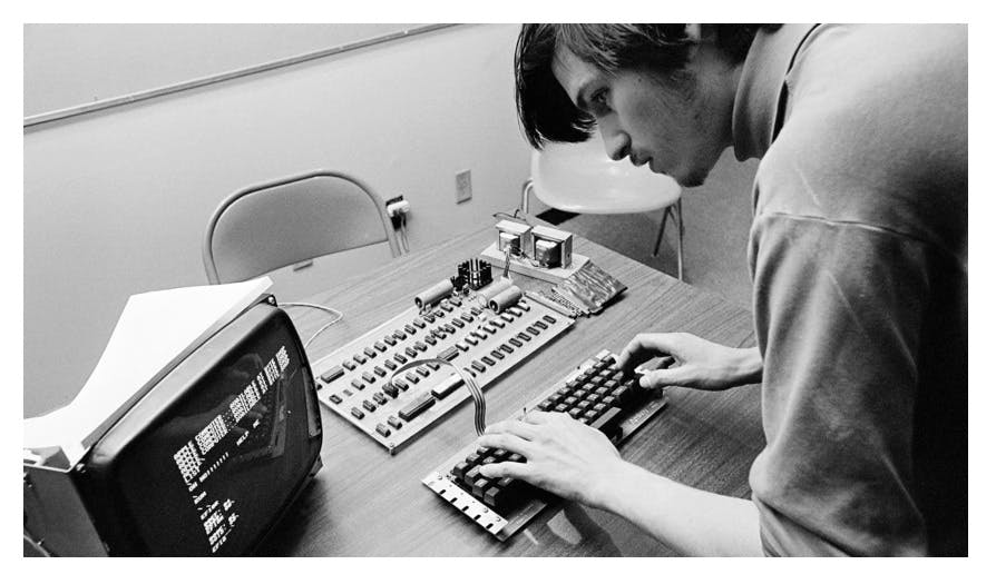 Dieser frühe Lebenslauf von Steve Jobs ist eine Katastrophe – und wird jetzt versteigert