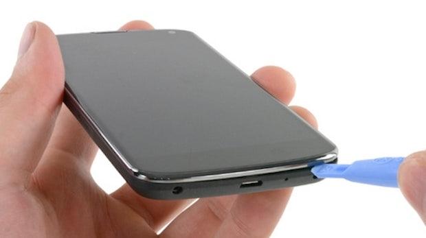 Nexus 4 in seine Einzelteile zerlegt – LTE-Modul entdeckt
