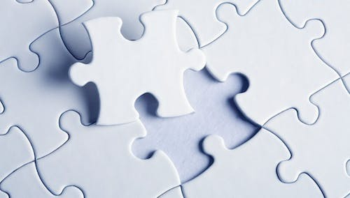 Puzzle_shutterstock_6776788