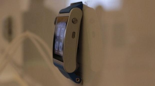 I'm Watch: Hands-On mit der Android-Smartwatch [CES 2013]