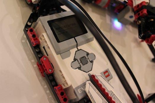 Mindstorms EV3: Neue Generation des Hightech-Lego im Video [CES 2013]