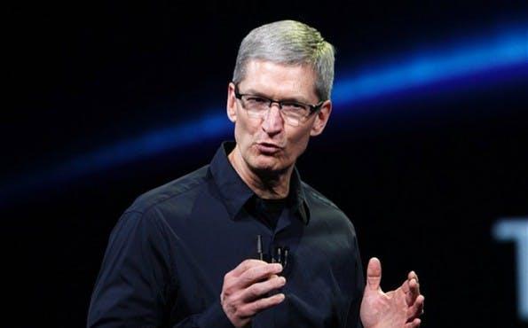 Apple-CEO Tim Cook sollte den Kauf von Twitter in Erwähnung ziehen.