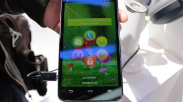 ZTE Grand Memo: 5,7 Zoll-Riesen-Smartphone im Hands-On [MWC 2013]