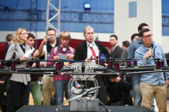 Bei der Bloggertour 2013 gab es unter anderem Drohnen zu sehen.