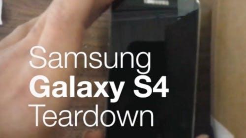 Samsung Galaxy S4 in seine Einzelteile zerlegt