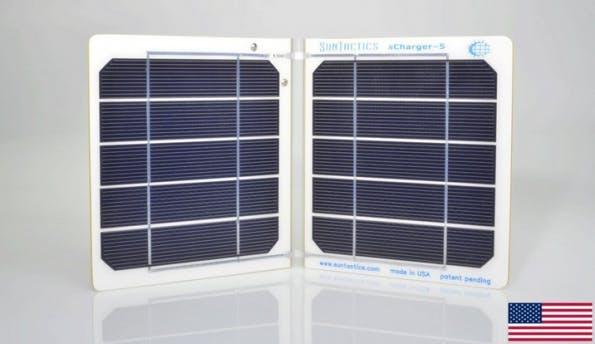 Mit dem iPhone-Ladegerät sCharger-5 per Sonnenlicht an Strom kommen. (Bild: eBay)