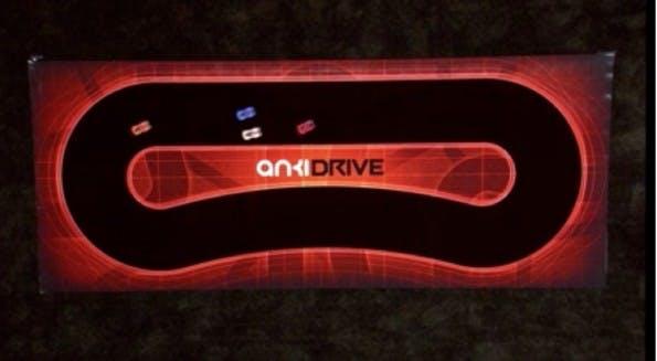 Mit Anki Drive reagieren alle Autos, vom iPhone gesteuert, auf ihre Umgebung. (Screenshot: Apple Keynote)