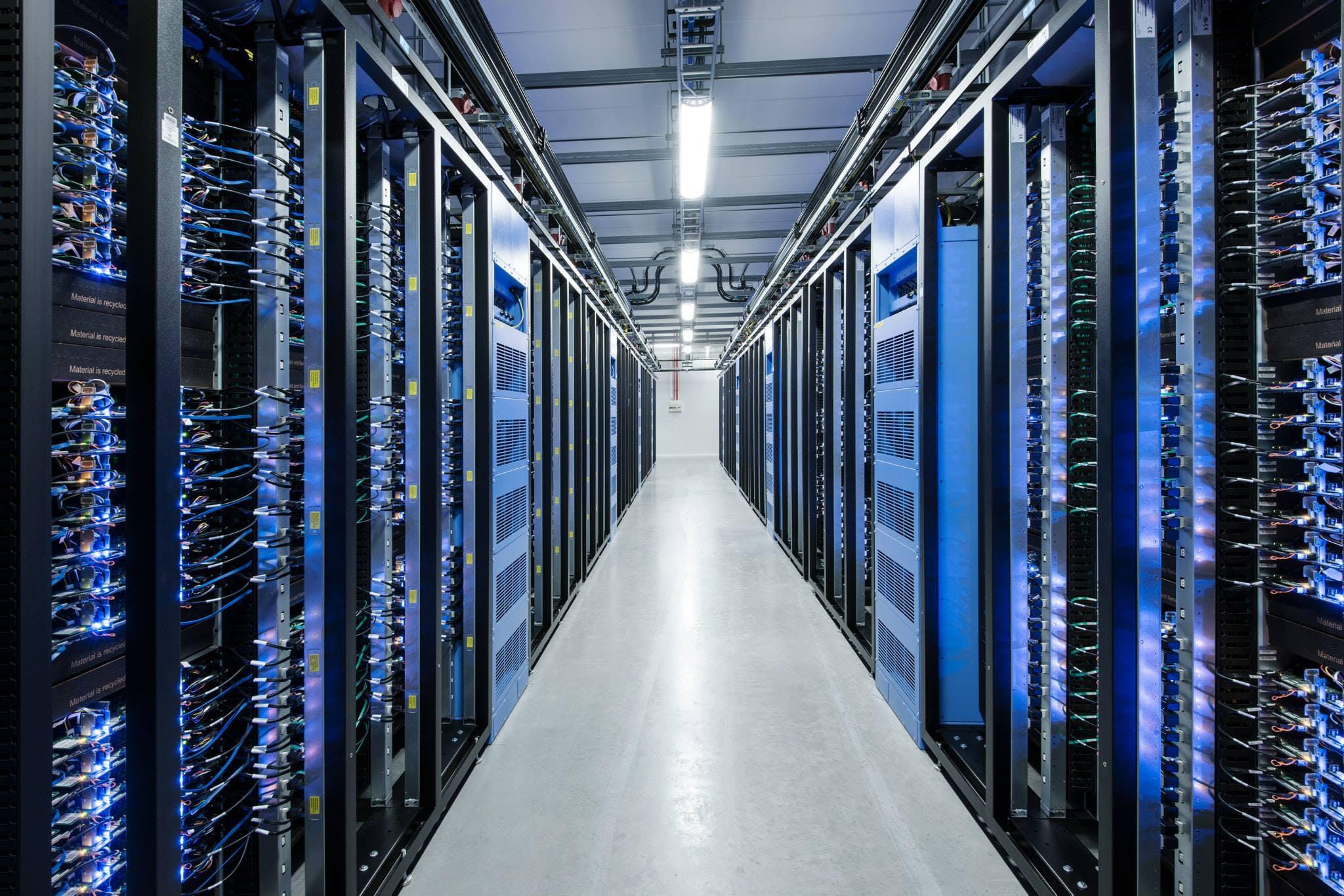Facebook überarbeitet KI-Hardware und stellt Pläne ins Netz
