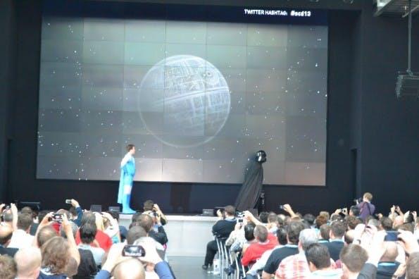 """""""Darth Vader"""" zieht sich eilends zurück. (Foto: JGWeber)"""