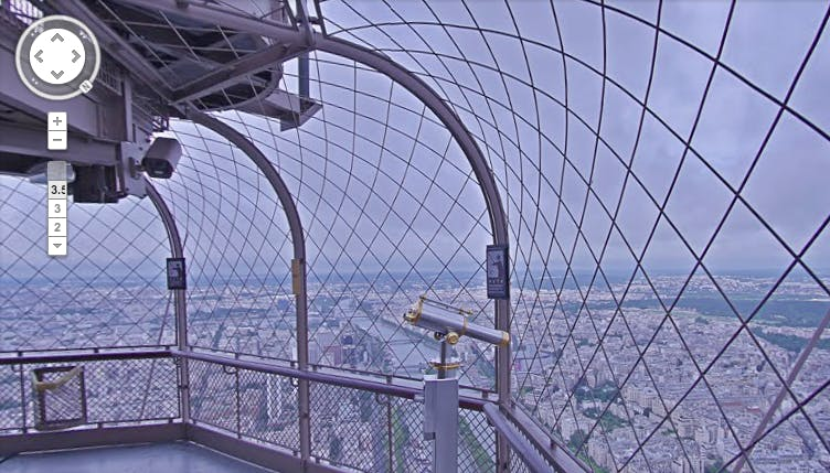 "Mit Google StreetView über die Dächer von Paris vom Eiffelturm schauen. (Screenshot: Google <a href=""https://maps.google.com/?q=Eiffelturm,+Paris&ll=48.858306,2.294254&spn=0.016461,0.042272&hq=Eiffelturm,+Paris&t=m&z=15&layer=c&cbll=48.858294,2.294359&panoid=jk_uQhm-apj-LegVyY7jsQ&cbp=12,223.95,,0,2.08"">StreetView</a>)"