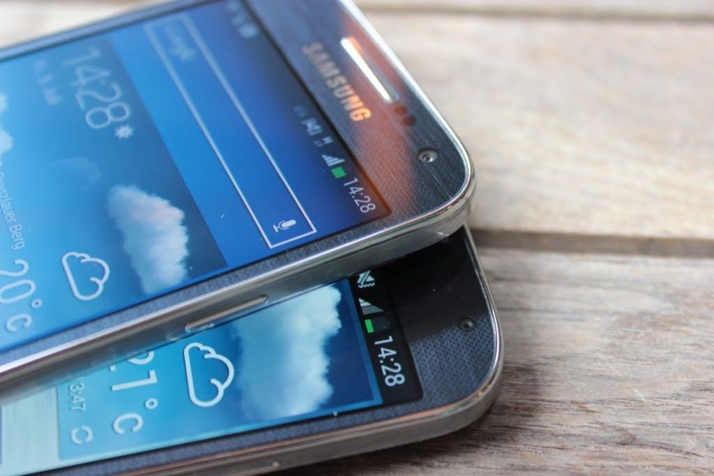 Im Vergleich: Samsung Galaxy S4 mini und Galaxy S4