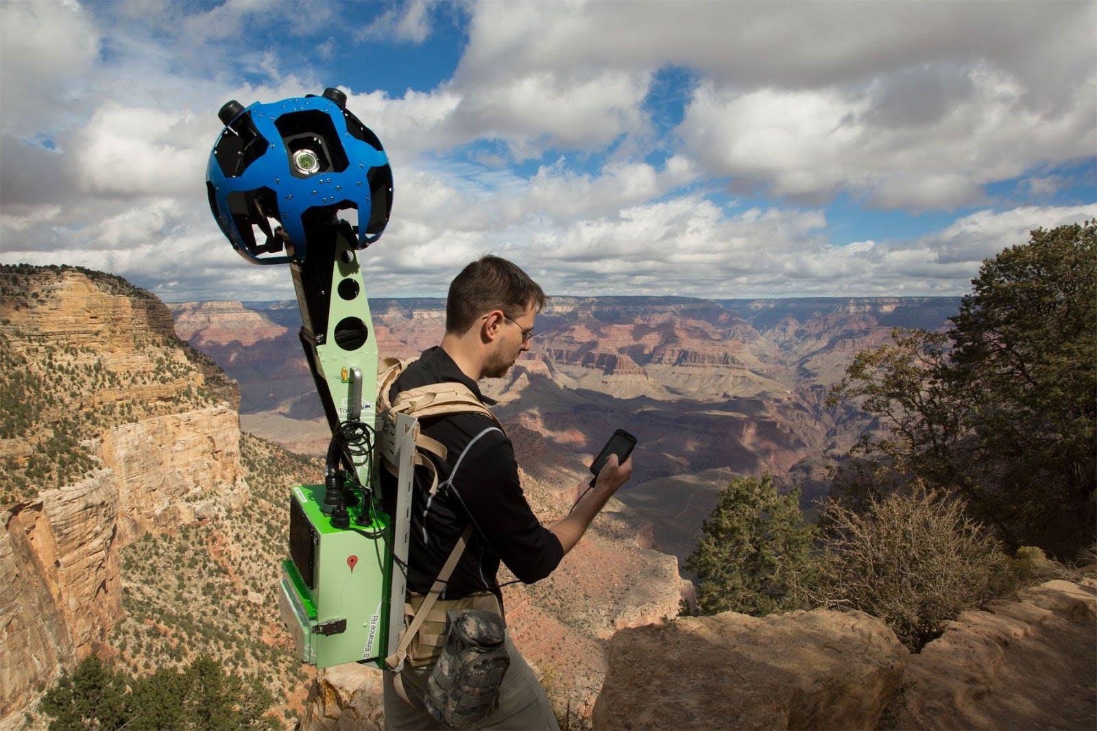 Der Street View Trekker ist ein Kamera-Rucksack mit 15 Linsen und Android-Betriebssystem.