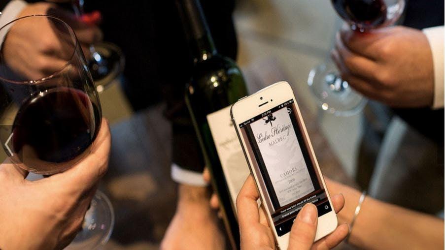 Xbox One kommt teilweise erst 2014, SMS-Nutzung steigt trotz WhatsApp und Drync will Shazam für Weintrinker sein [Newsticker]