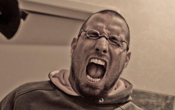 Ein Shitsorm als unvorhergesehene und anhaltende Welle der Entrüstung von Nutzern. (Bild: Crosa/Flickr / CC BY 2.0)