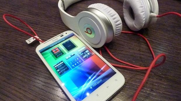 Google testet erweiterte Suchergebnisse, 1 GB kostenloser Dropbox-Speicher und Beats will sich von HTC trennen