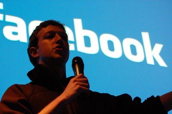 Facebook-Nutzungsbedingungen: Plant Mark Zuckerberg nun auch das Ende der Privatsphäre für Minderjährige?(Foto: Andrew Feinberg  / flickr.com, Lizenz: CC-BY)