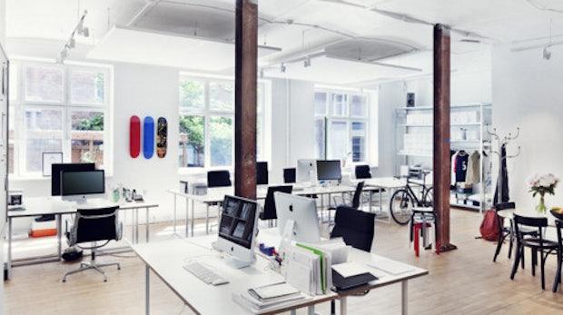 Inspiration pur: 45 coole und atemberaubende Office-Arbeitsplätze