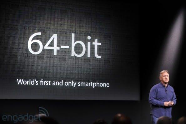 Das iPhone 5s ist das erste Smartphone mit 64-bit-Prozessor und der dazu passenden Software. (Quelle: engadget.com)