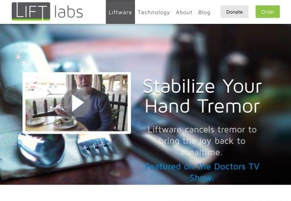Mit Lift Labs wird Parkinson-Patieten das Essen erheblich erleichtert. Dafür entwickelt das Health-Startup einen stabilen Besteckaufsatz. (Screenshot: Lift Labs)