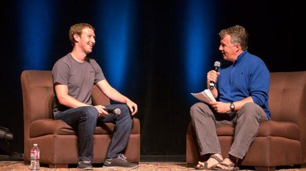 Facebook-Gründer Mark Zuckerberg im Gespräch mit Y-Combinator-Partner Paul Graham bei der Startup School 2013.
