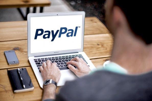 5 PayPal-Alternativen im Überblick. (Foto: PlaceIt)