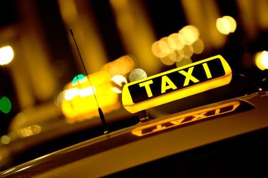 Europäische Taxizentralen schmieden Pakt gegen Uber und MyTaxi