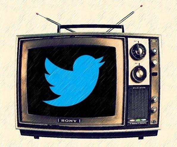 Twitter, Facebook und andere sozialen Netze könnten integraler Bestandteil unseres Medienkonsums werden. (Bild: Esther Vargas / Flickr Lizenz: CC BY-SA 2.0)
