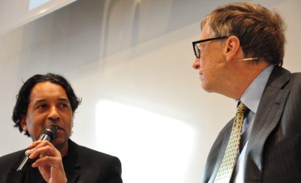 Cherno Jobotey moderierte das Gespräch mit Bill Gates. (Foto: Florian Blaschke)